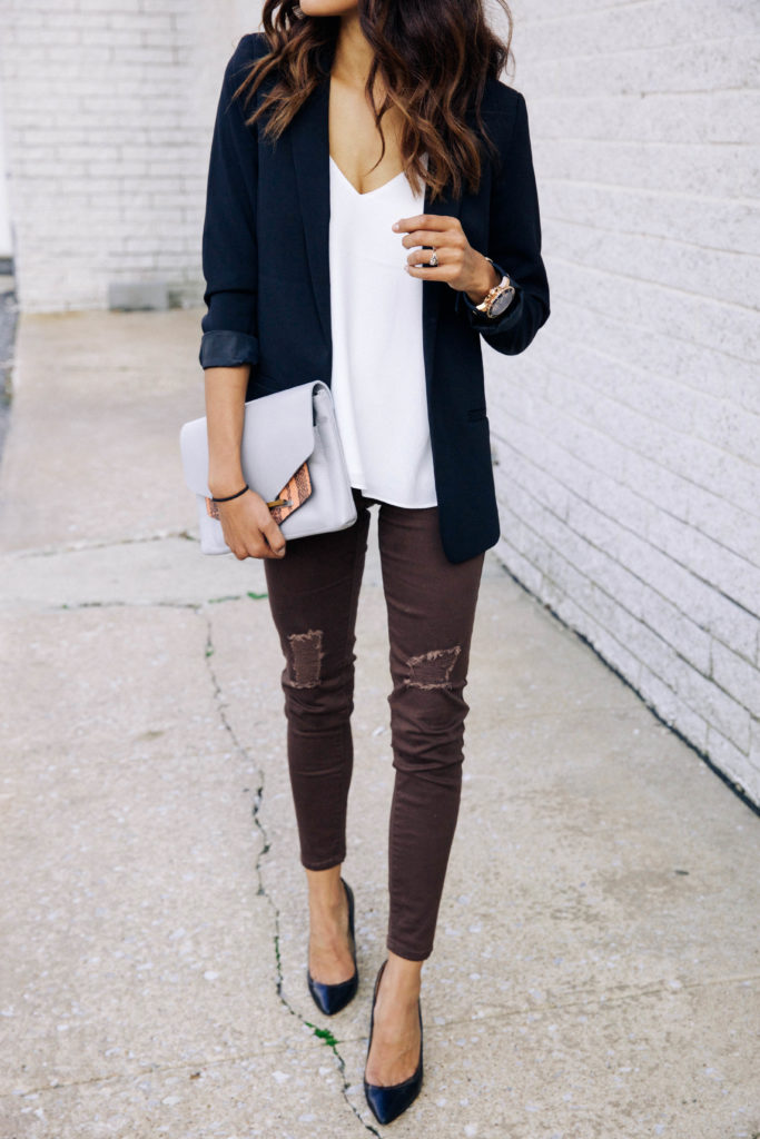fall-outfit-inspiration-burgundy-jeans