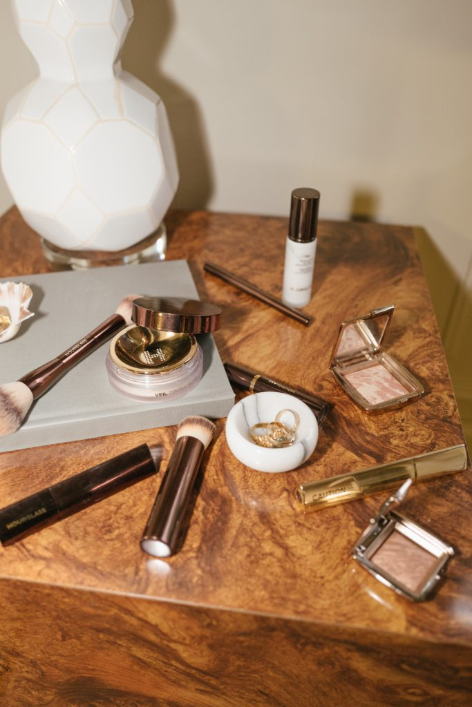 Lauren Johnson of Disco Daydream uses Hourglass Cosmetics to create a natural makeup tutoria